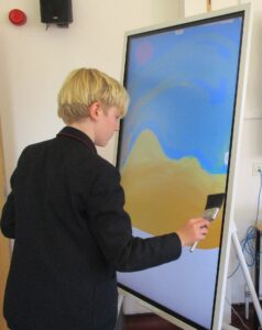 Students Embrace Samsung Technology with Art